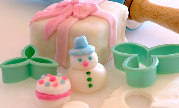 Cake Recipe For Icing With Fondant: Fondant Icing